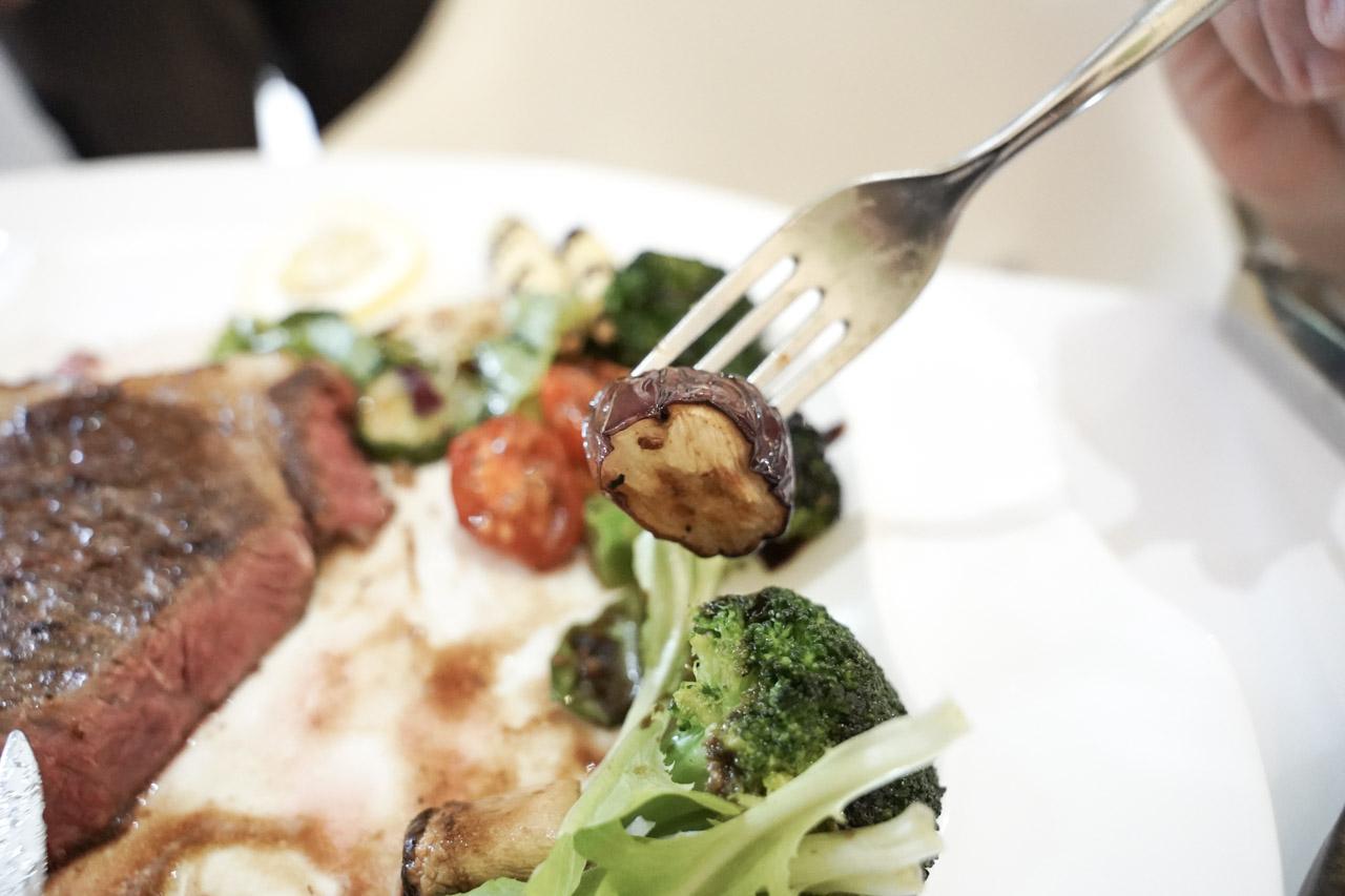 【食記】菲菲花園 FiFiGarden | 義式餐廳 |  每一口都是美味 | 台中西屯牛排 75
