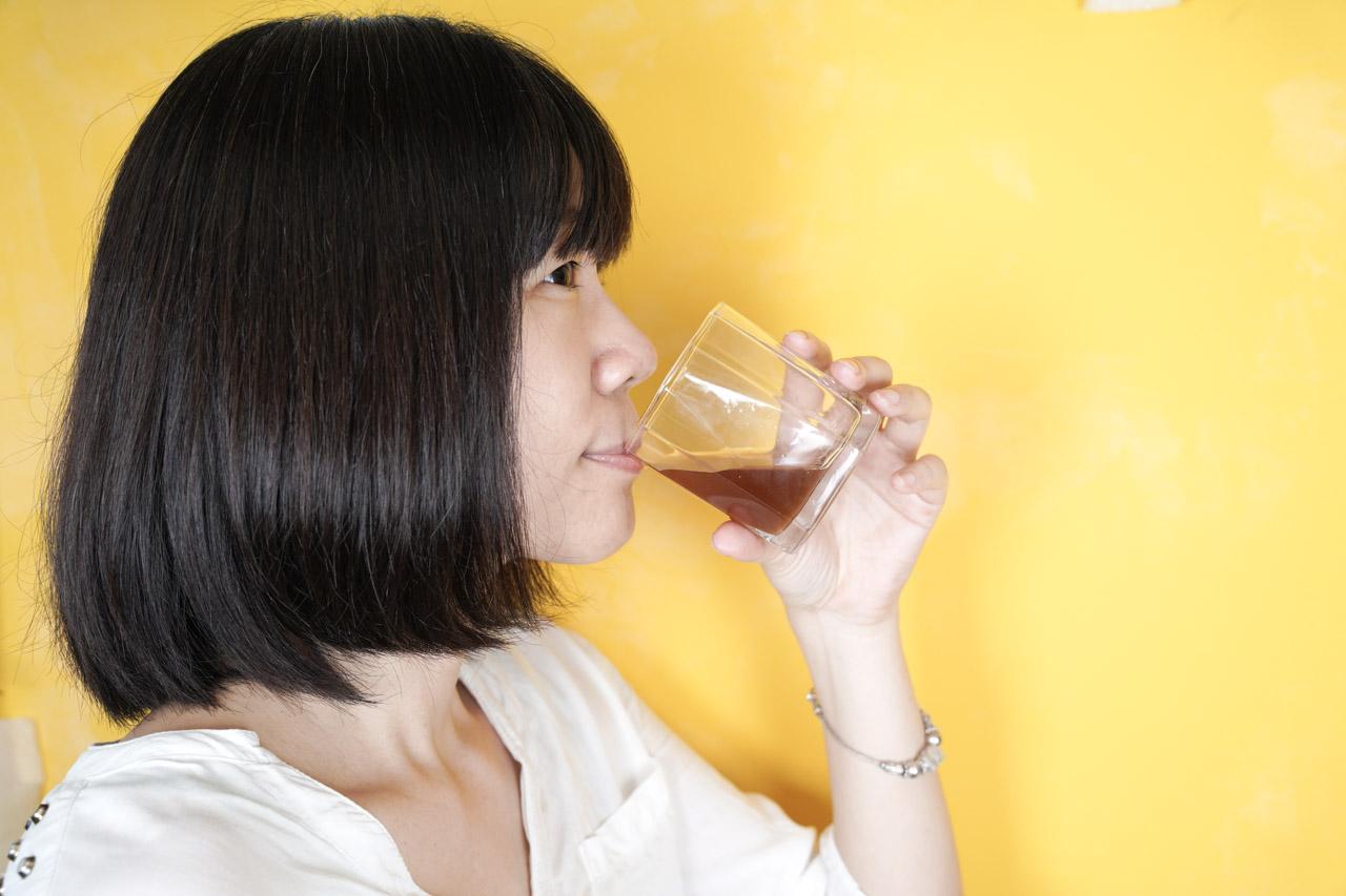 使用這款SP膠原飲一陣子後在膚質跟氣色上也漸漸可以發現有著小改變,臉上帶著清新光采,可能是因為分子小好吸收,還蠻推薦長期飲用它。