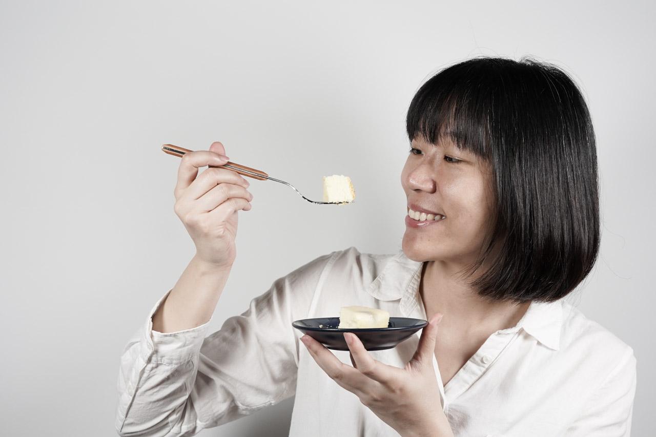 廢人小姐一直是芋頭類食物的愛好者,常常看到宅配美食或是團購美食有芋頭相關的食物通常不會手軟,這款來自是大甲臺灣芋頭酥之父「阿聰師的糕餅主意」的特濃芋頭重乳酪蛋糕跟芋泥寶盒(芋泥奶酪)看到後直接就秒下訂單!