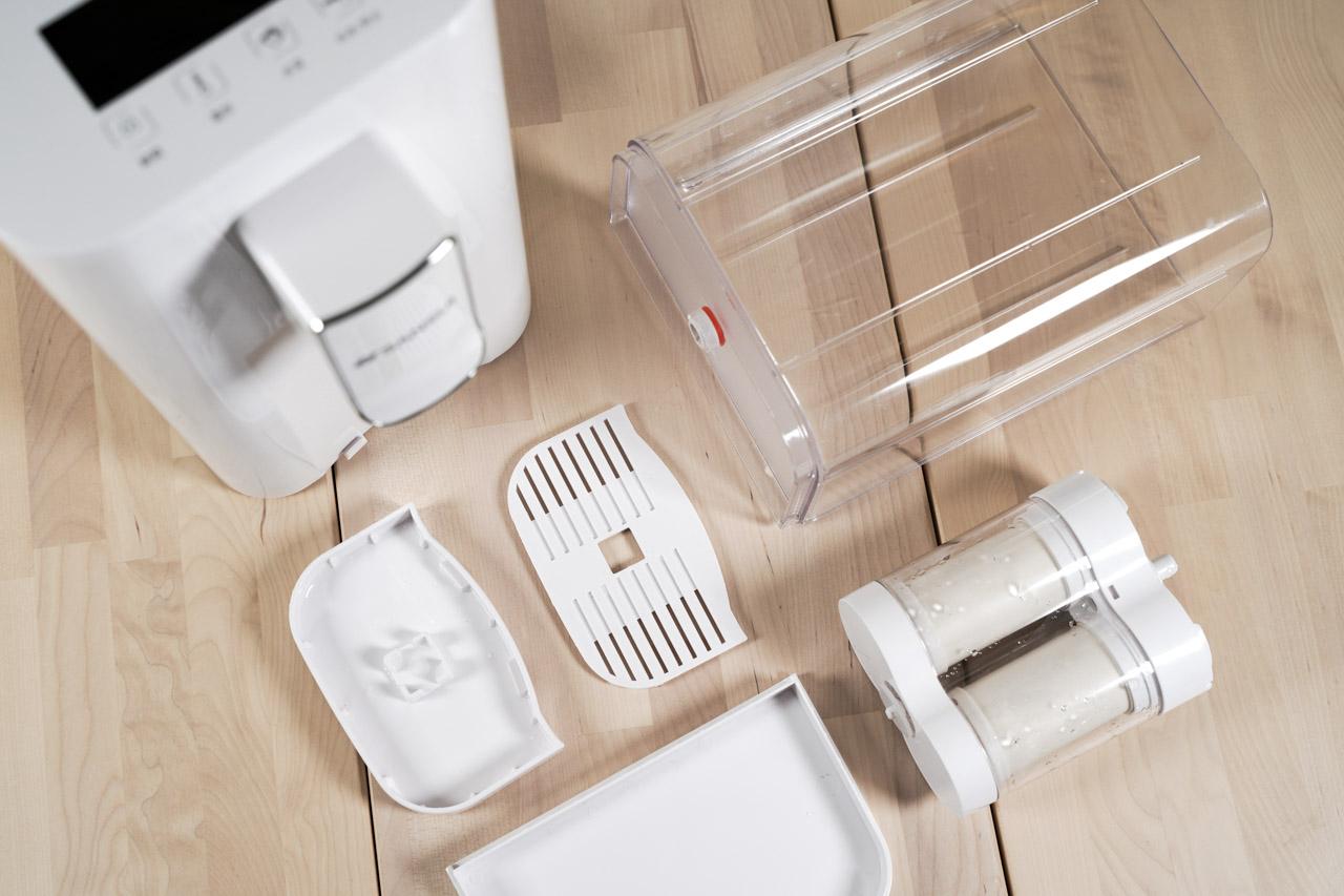 有了這台「小淨3秒瞬熱智慧溫控淨水器」帶給生活的便利性實在太多,只要記得把水裝入水箱,就能輕鬆立即喝到常溫水、熱紅茶、熱牛奶、泡麵、熱咖啡等,隨時都可以喝到各種溫度的水,小淨也可以擔任這份工作