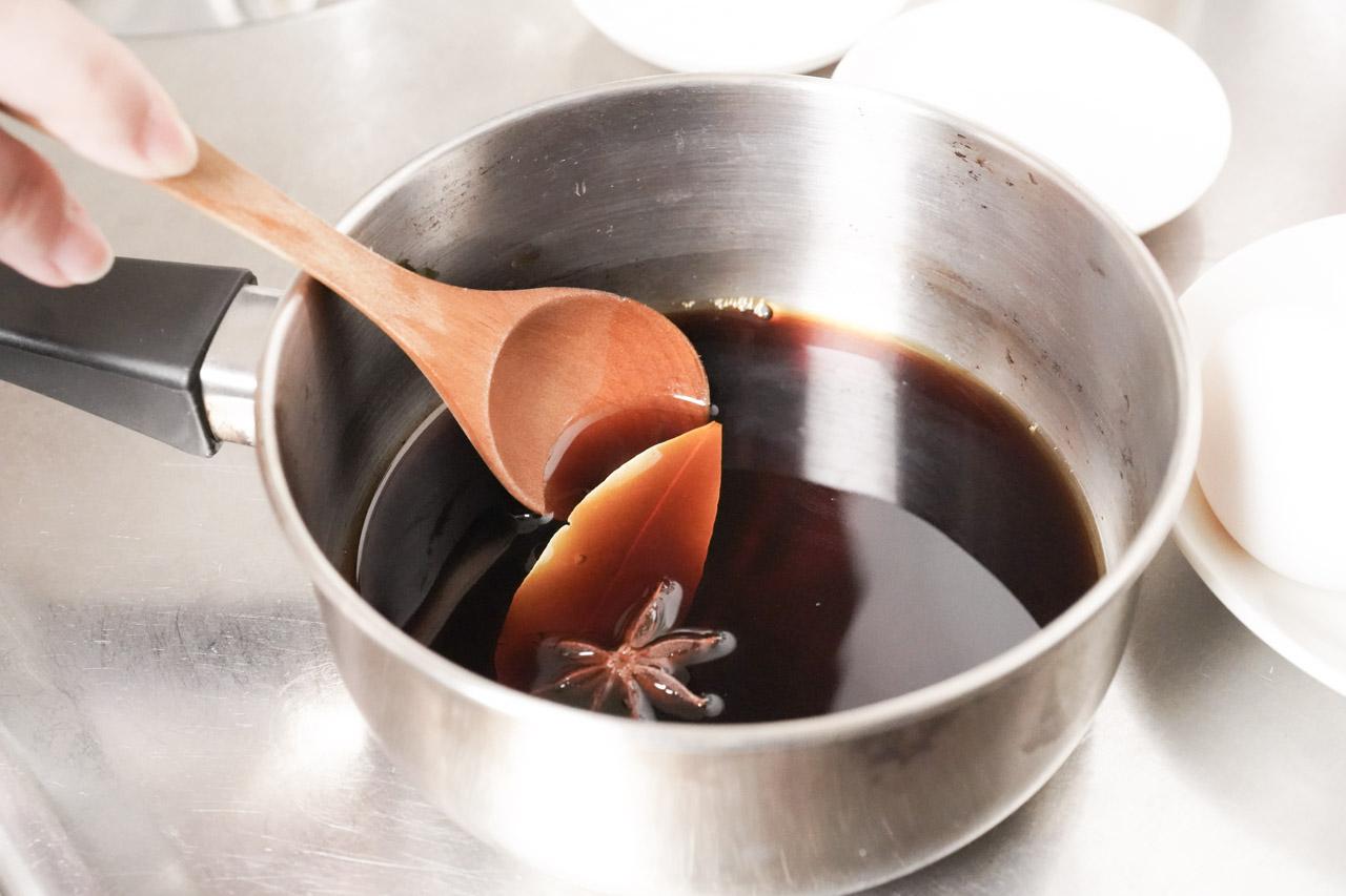 一個月至少會做一次糖心蛋,不論單吃、配飯、配麵都很百搭,糖心蛋最重要的就是醬油了,拿新味醬油來試做糖心蛋最適合不過