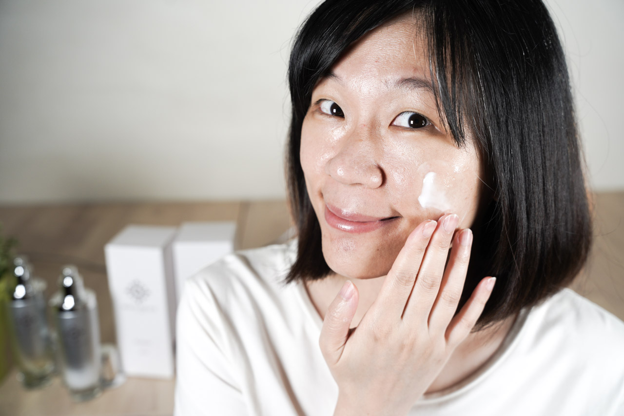 如果你也很怕黏膩的感覺,Beauty The Sun 胜肽緊緻賦活化保養組這3款使用起來完全不黏膩,而且強調保濕功能,肌膚補充了足夠的水分,不再容易出油。想解肌膚的渴,可以交給他們囉!