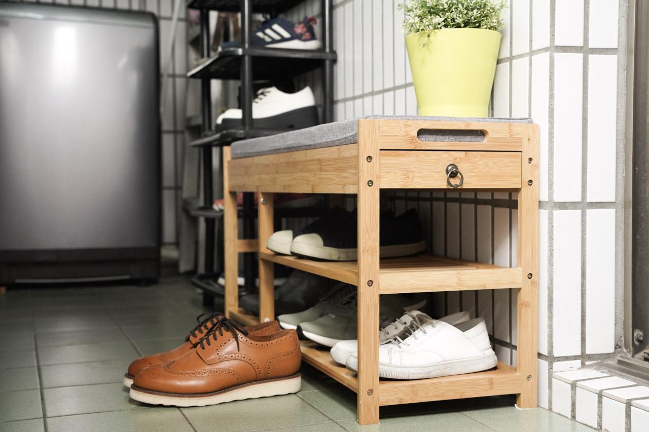 Ligfe立格扉所推出的玄關竹木穿鞋椅使用起來感覺非常好,使用北歐風格傢俱設計外觀,質感表現非常好,擺在家裡陽台或是玄關都非常適合,如果說推薦穿鞋椅就選這款立格扉穿鞋椅,整體來說沒甚麼問題。