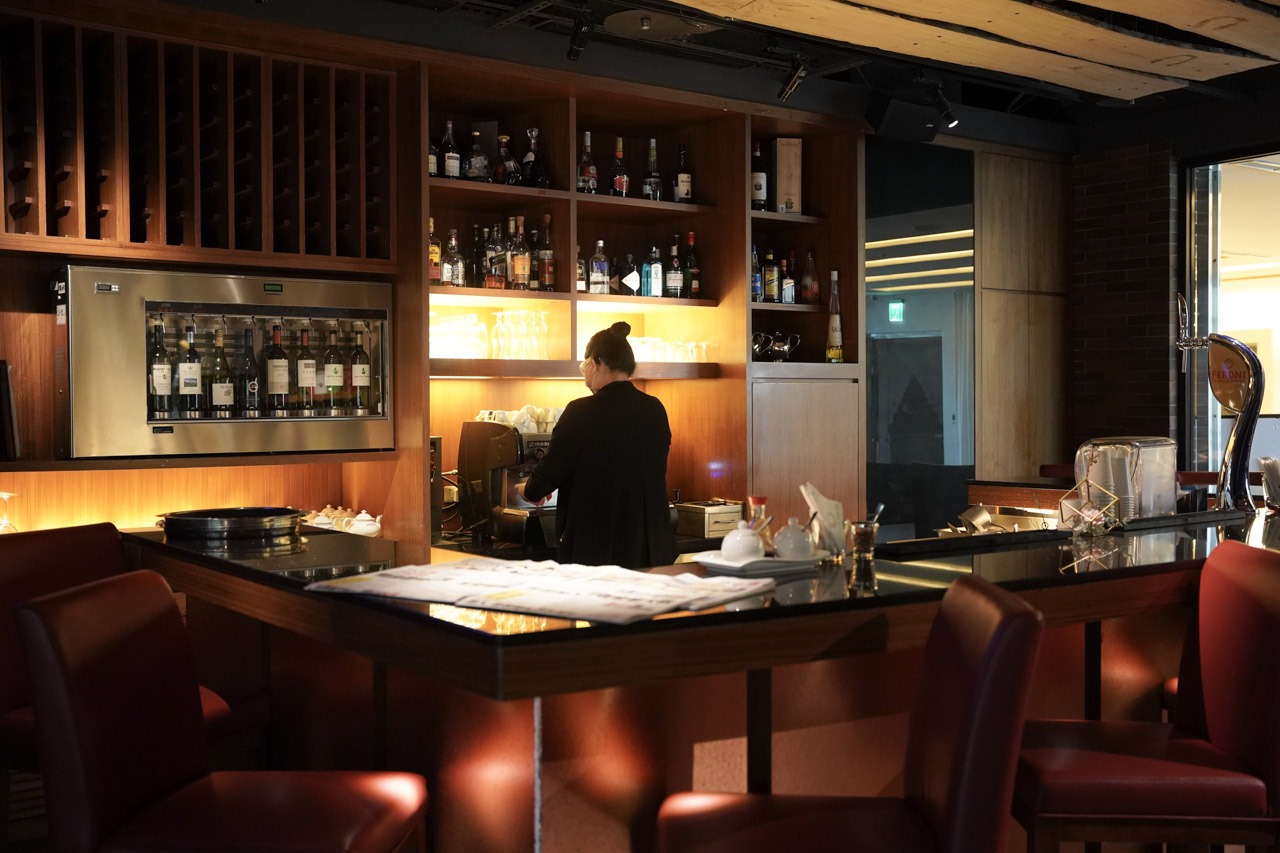 坐落於大直美麗華旁的五星級飯店「維多麗亞酒店 Grand Victoria Hotel」,那帶有古典浪漫的建築風格我特別喜歡,近一年多來悶在國內,總是想嘗試各種旅遊玩法變出新鮮感,這次安排的台灣國內小旅行終於有機會入住這間彷彿像是城堡般的飯店!